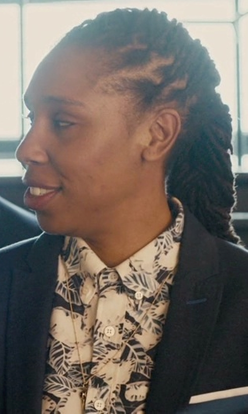 Lena Waithe with Kasper Crepe Jacket in Master of None