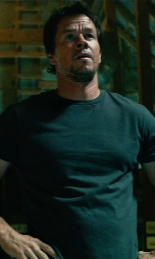 Mark Wahlberg with MAJESTIC FILATURES crew neck t-shirt in Transformers: Age of Extinction