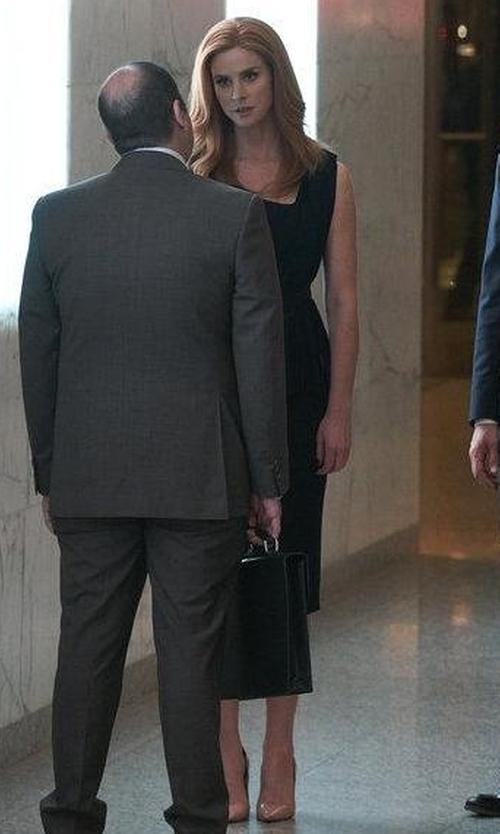 Sarah Rafferty with Stuart Weitzman Curvia Pumps in Suits