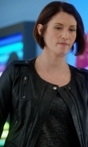 Supergirl - Season 1 Episode 3 - Fight or Flight