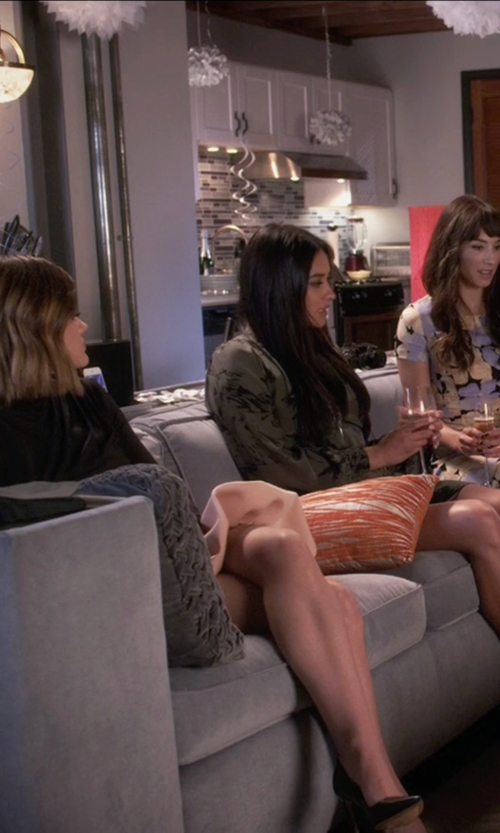 Lucy Hale with Via Spiga Carola Pumps in Pretty Little Liars