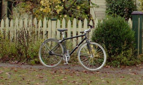 Joshua Leonard with Diamondback Bicycles 2015 Edgewood Complete Hybrid Bike in If I Stay