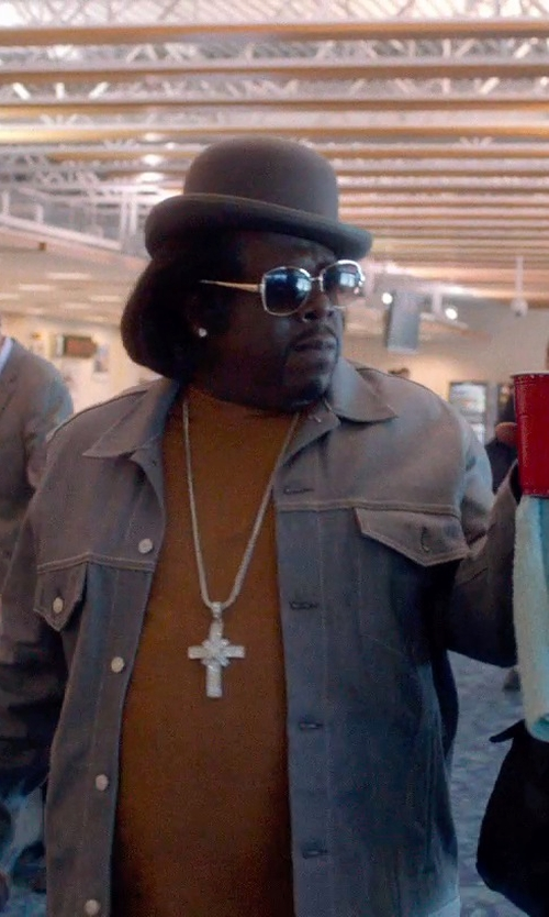 Cedric The Entertainer with Oliver Peoples West Bates Polarized Sunglasses in Top Five