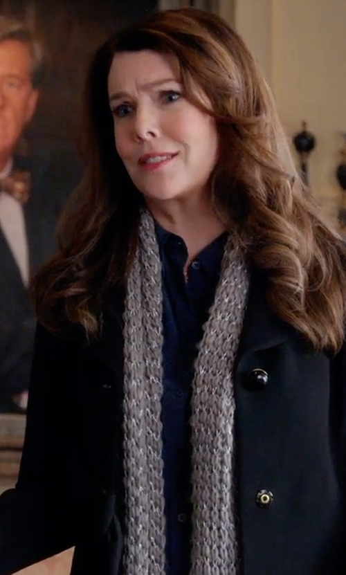 Lauren Graham with Eileen Fisher Lustrous Metallic Wool-Blend Wrap in Gilmore Girls: A Year in the Life