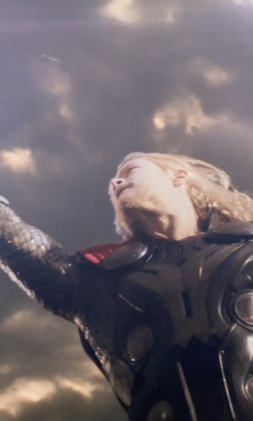 Chris Hemsworth with Andy Park (Concept Artist) Mjolnir Hammer in Thor: The Dark World