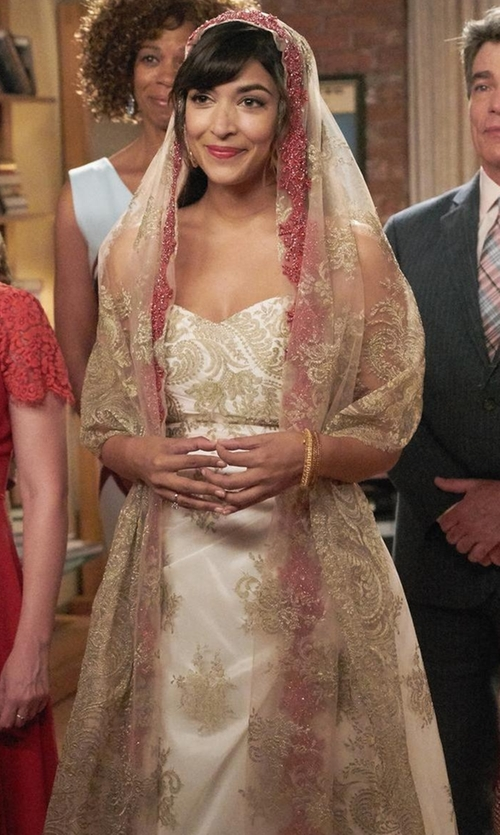 Hannah Simone with JJ's House One-Tier Chapel Bridal Veils in New Girl