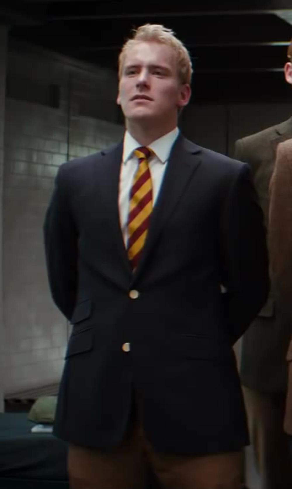 Nicholas Banks with Ike Behar Solid Basic-Fit Dress Shirt in Kingsman: The Secret Service