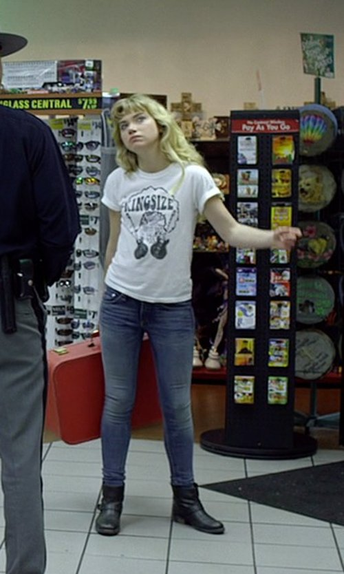 Imogen Poots with 7 For All Mankind Mid Rise Skinny Denim Pants in Need for Speed