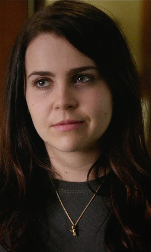 Mae Whitman with Frame Le Boyfriend T-Shirt in The DUFF