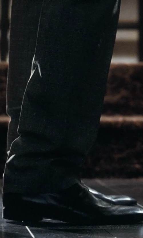 Ryan Gosling with Salvatore Ferragamo	 Remigio Cap-Toe Oxford Shoes in Crazy, Stupid, Love.