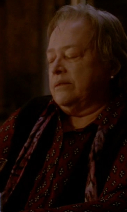 Kathy Bates with La Fiorentina Animal Print Cashmere Scarf in American Horror Story