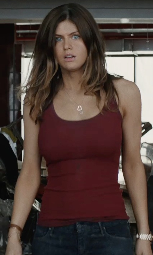 Alexandra Daddario with Tateossian Leather Silver-Hook Bracelet in San Andreas
