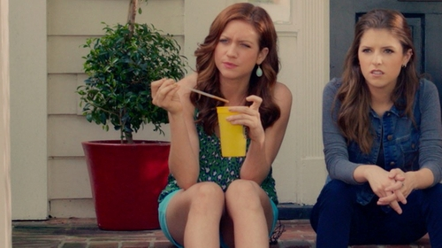 """Brittany Snow with J.Crew 4"""" Chino Short in Pitch Perfect 2"""