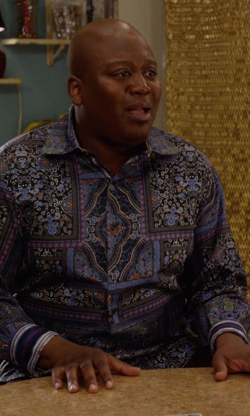 Tituss Burgess with Etro Multi Paisley-Print Sport Shirt in Unbreakable Kimmy Schmidt