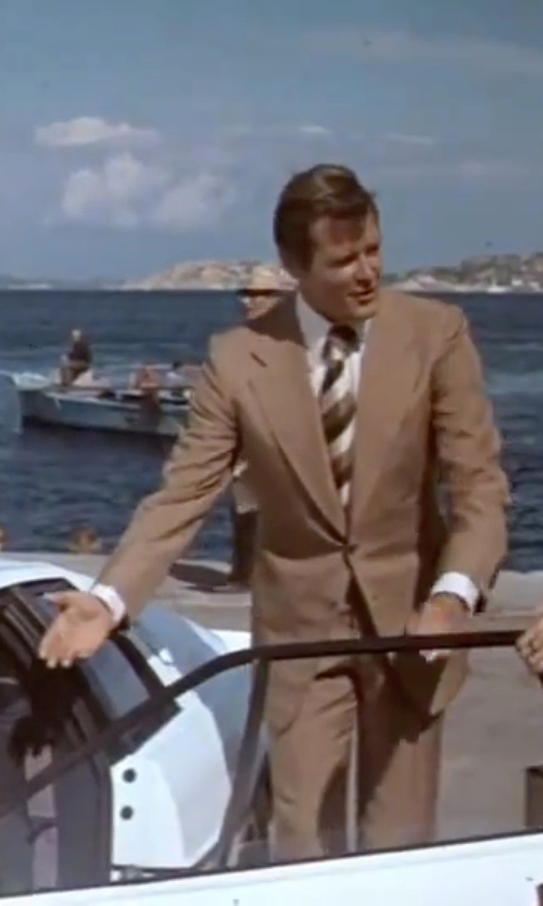 Roger Moore with Kenneth Cole Reaction King Stripe Tie in The Spy Who Loved Me