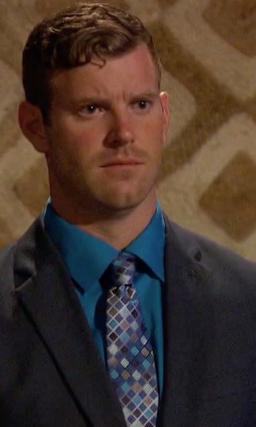 James Taylor with Perry Ellis Men's Hall Grid Classic Tie in The Bachelorette