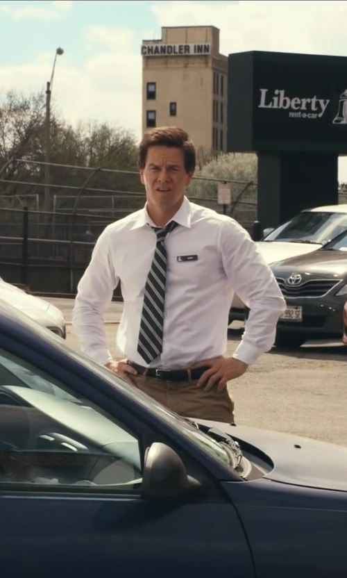 Mark Wahlberg with Carven Cotton Twill Chinos in Ted