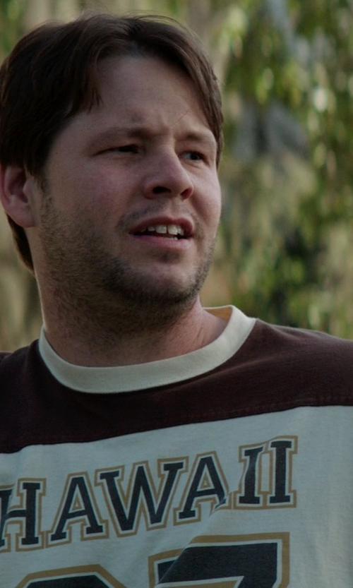 Ike Barinholtz with Alore Hawaii Jersey T-Shirt in Neighbors