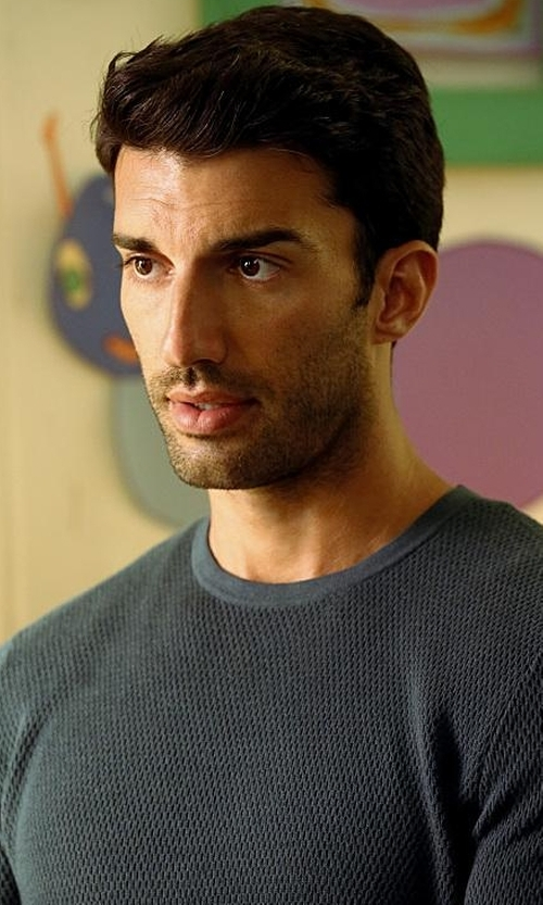 Justin Baldoni with Saks Fifth Avenue Collection Cable-Knit Silk & Cashmere Sweater in Jane the Virgin