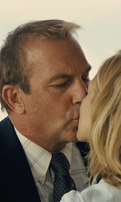 Kevin Costner with Brooks Brothers Bit Link Print Tie in McFarland, USA