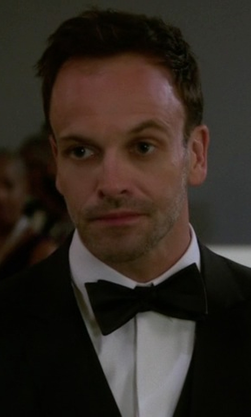 Jonny Lee Miller with Boss Silk Bow Tie in Elementary