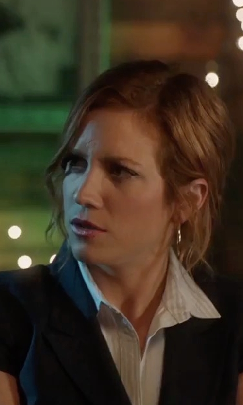Brittany Snow with Private Label Short Sleeves Fitted Blazer in Pitch Perfect 3