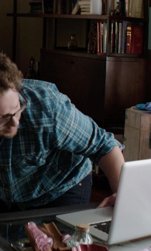 Seth Rogen with Apple MacBook Pro with Retina display in Neighbors