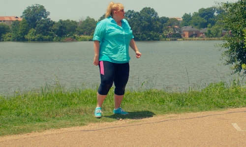 Rebel Wilson with Vans Authentic Lo Pro Sneakers in Pitch Perfect 2