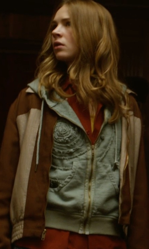 Tomorrowland Clothes Fashion And Filming Locations Thetake