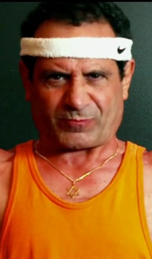 Tony Shalhoub with Jewelry Point Star of David Diamond Pendant Necklace in Pain & Gain
