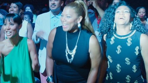 Queen Latifah with Alexis Bittar Watery Lucite Cuff Bracelet in Girls Trip