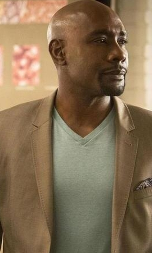 Morris Chestnut with Club Room Cotton V-Neck T-Shirt in Rosewood