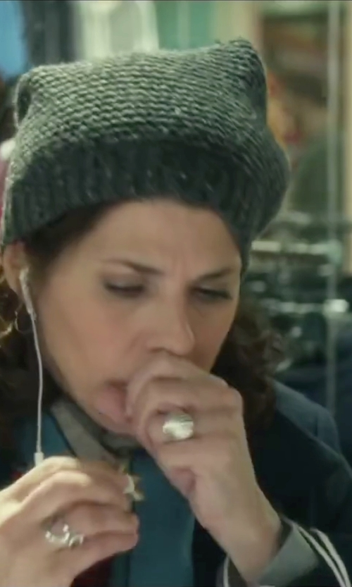 Marisa Tomei with Ron Hami Lace Sterling Silver Carved Knuckle Ring in Love the Coopers