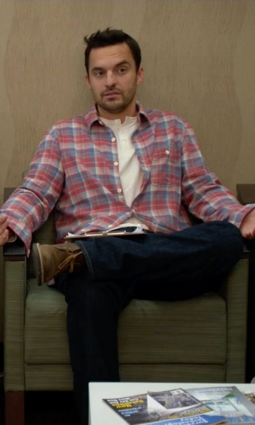 Jake Johnson with Andrew Marc 'Dorchester' Chukka Boots in New Girl