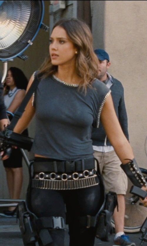 Jessica Alba with Theory Modern Georgette Bonda Crop Top in Entourage