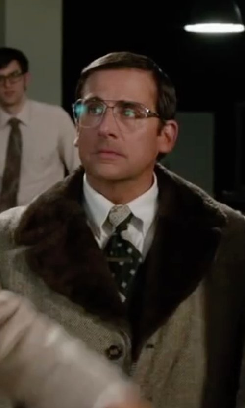Steve Carell with Dolce & Gabbana Patterned Silk Tie in Anchorman 2: The Legend Continues