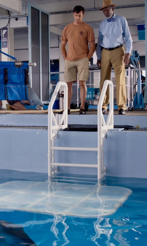 "Harry Connick Jr. with Quiksilver Conquest Cargo 21"" Shorts in Dolphin Tale 2"