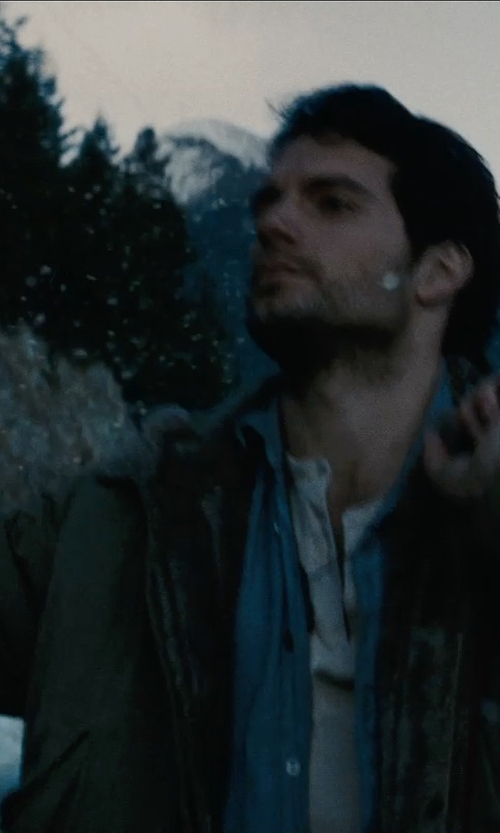 Henry Cavill with Etro Button-Down Collar Shirt in Man of Steel