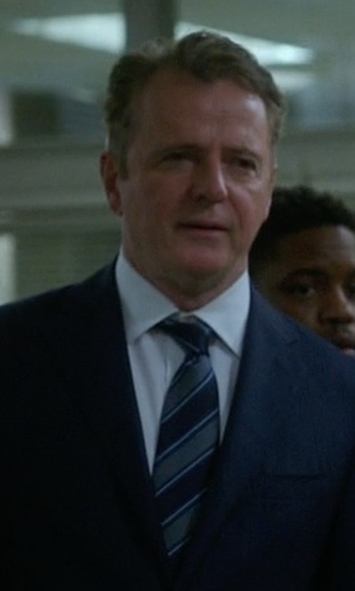 Aidan Quinn with Burberry London Stripe Silk Tie in Elementary