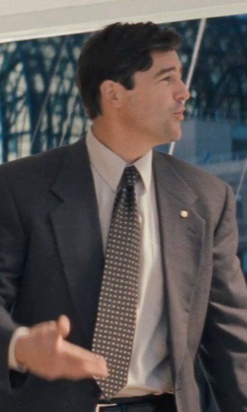 Kyle Chandler with Jos. A. Bank Horizontal Stripe Tie in The Wolf of Wall Street