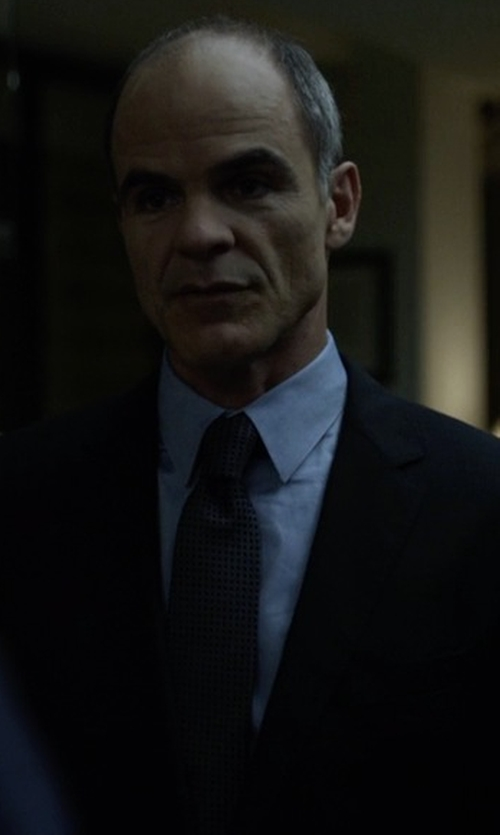 Michael Kelly with Yves Saint Laurent Square Grid Silk Tie in House of Cards