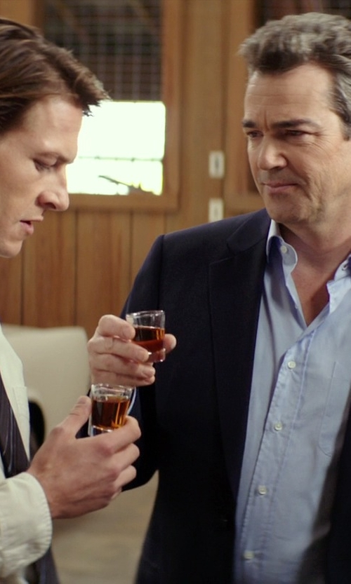 Jon Tenney with Luigi Bormioli Strauss Shot Glasses in The Best of Me