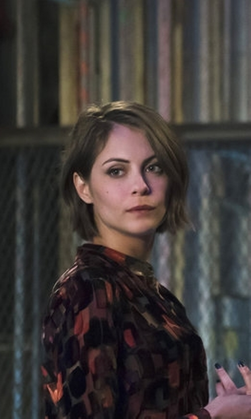 Willa Holland with Alice + Olivia Eloise Printed Blouse in Arrow