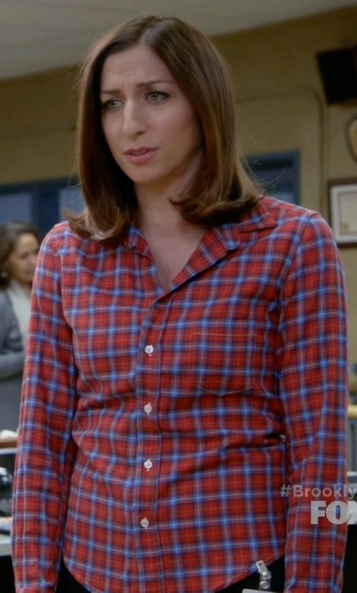 Chelsea Peretti with 4our Dreamers Plaid Button-Down Shirt in Brooklyn Nine-Nine