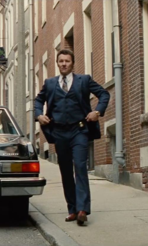 Joel Edgerton with Theory Sylvain Solid Dress Shirt in Black Mass