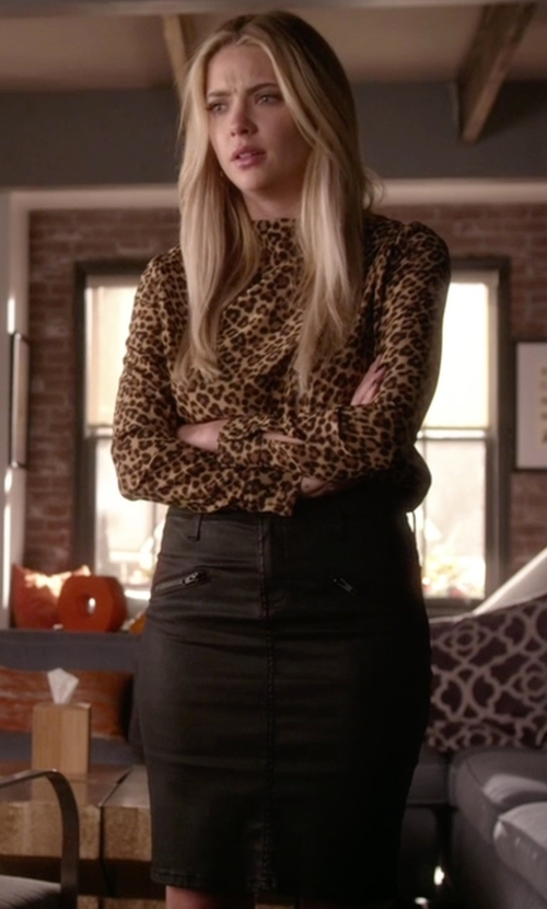 Ashley Benson with Current/Elliott The Soho Coated Stiletto Pencil Skirt in Pretty Little Liars
