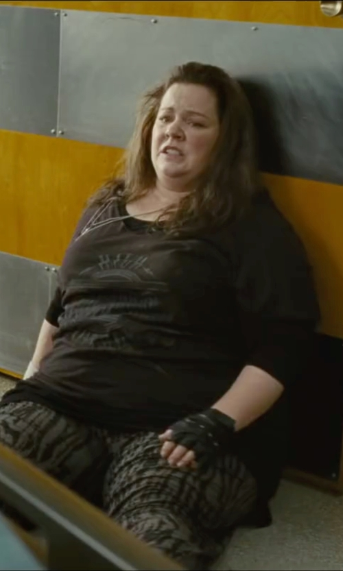 Melissa McCarthy with Mnml Couture Crew Neck T-Shirt in The Heat