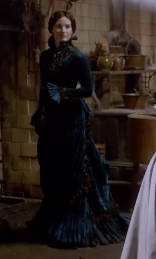 Jessica Chastain with Kate Hawley (Costume Designer) Custom Made Stand Collar Velvet Victorian Gown in Crimson Peak