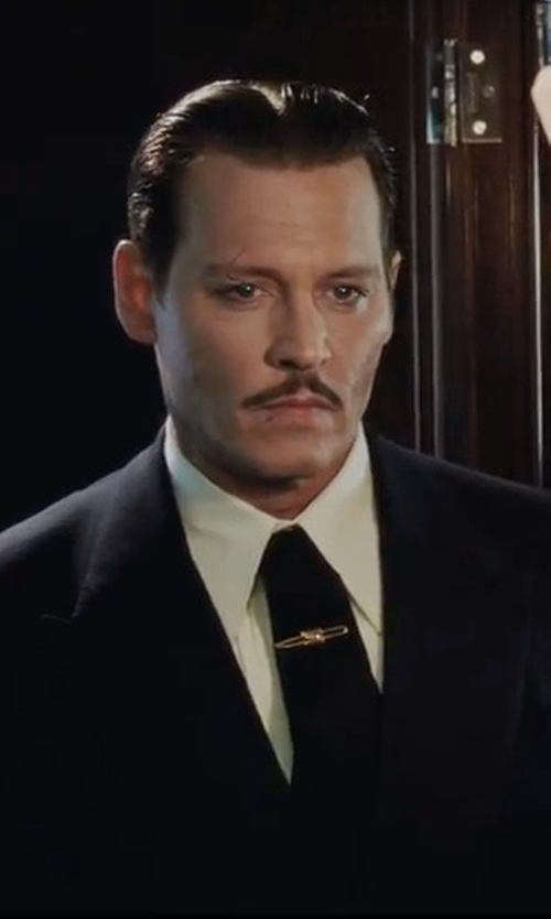 Johnny Depp with Paul Smith Single Breasted Birdseye Wool Suit in Murder on the Orient Express