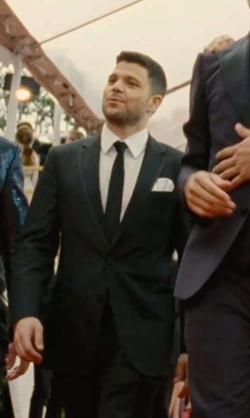 Jerry Ferrara with David Donahue Trim Fit French Cuff Tuxedo Shirt in Entourage
